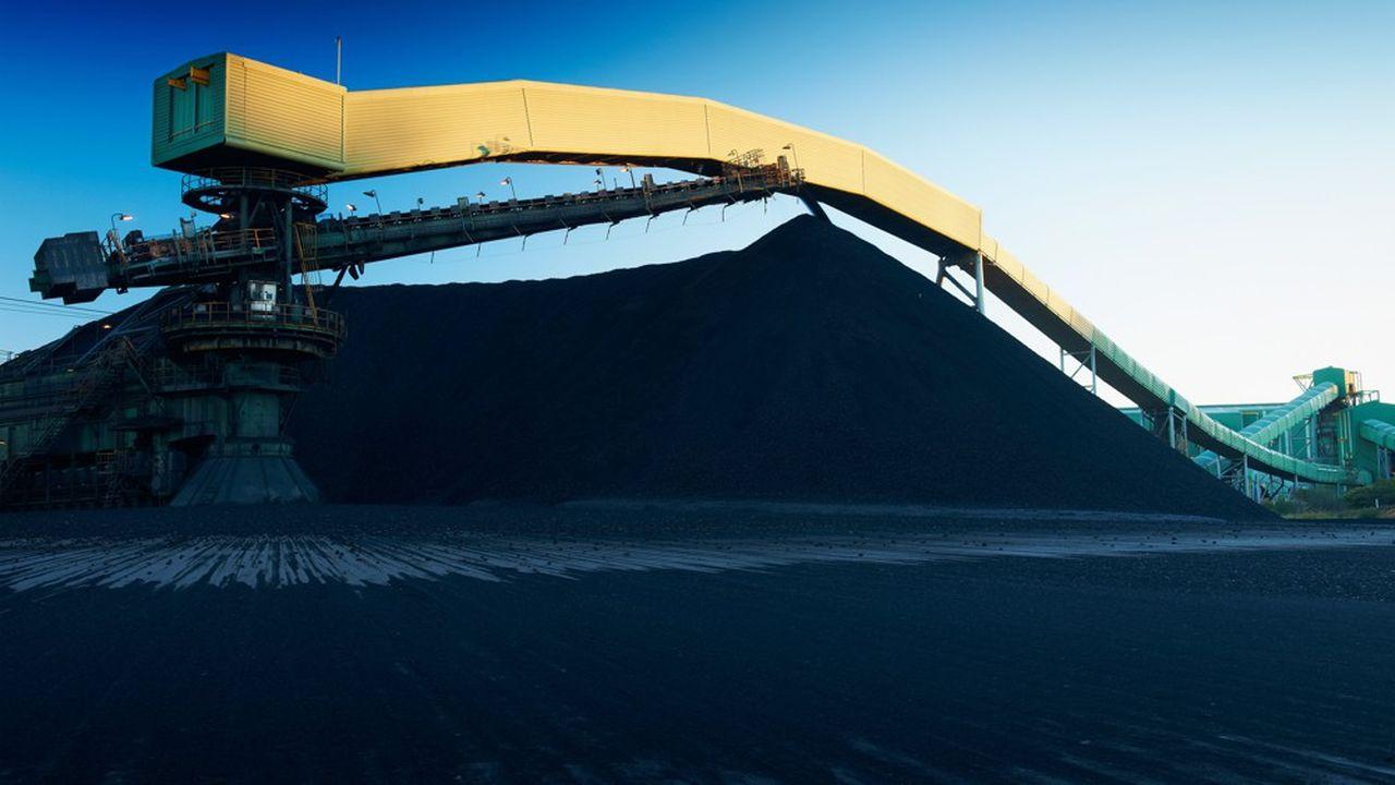 Les actionnaires demandent aux conseils d'administration des géants miniers de s'engager plus franchement pour le climat.