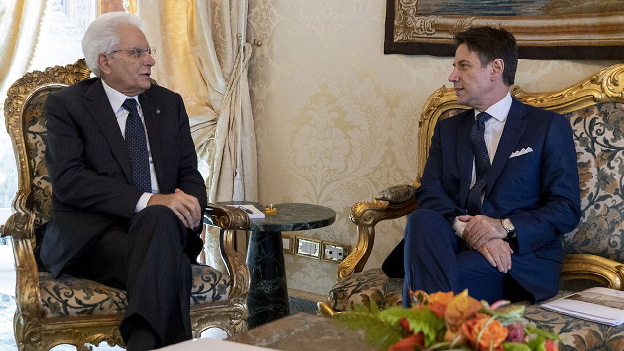 Giuseppe Conte s'est rendu mercredi chez le président de la République Sergio Mattarella pour lui présenter la composition de son gouvernement, avant de prêter serment.