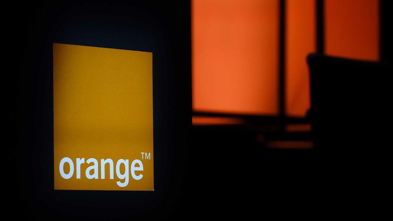 Comme Free, Orange refuse de payer le groupe de Patrick Drahi pour diffuser en IPTV des chaînes disponibles gratuitement sur la TNT.