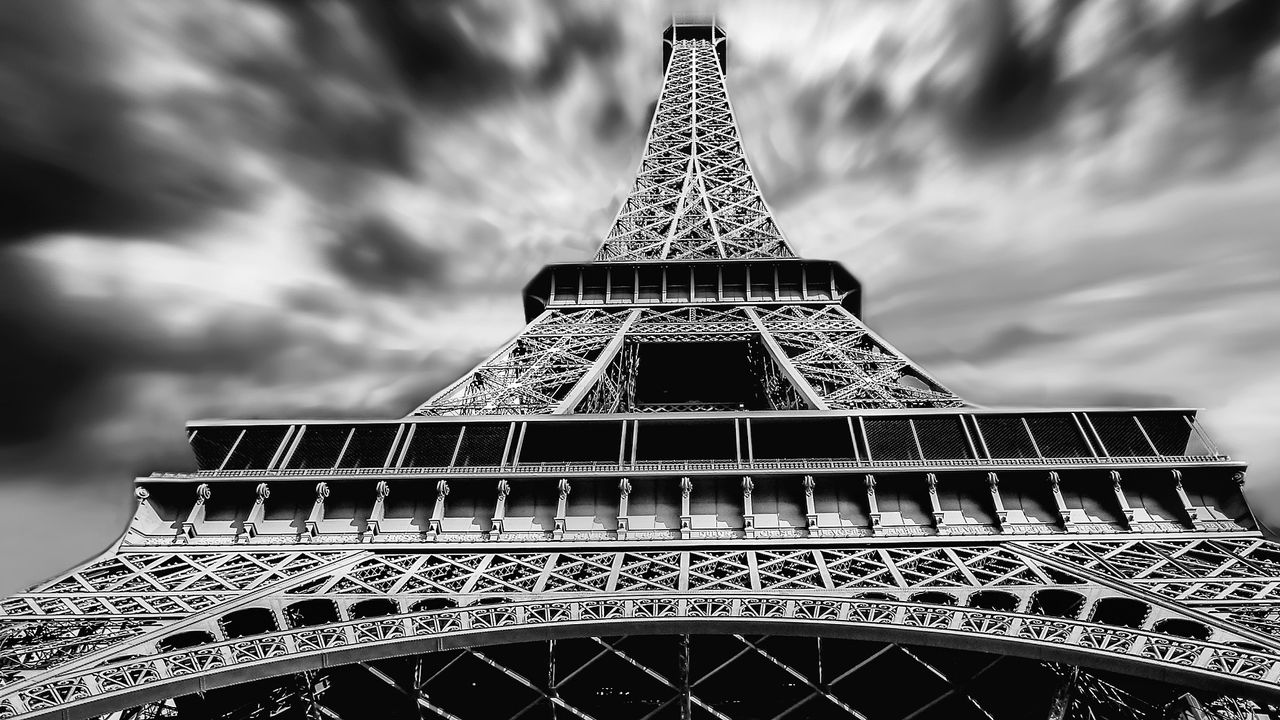 eiffel-tower-1784212_1920.jpg
