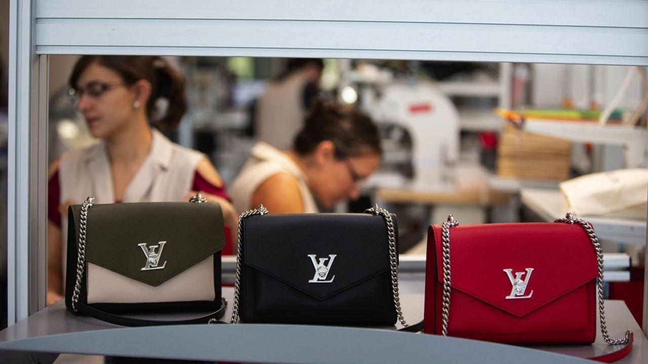 A Beaulieu-sur-Layon, quelque 135 salariés ont été embauchés pour fabriquer des sacs à main - des modèles «Néonoé» ou le «Mini Boîte Chapeau». Ils devraient être 300 dans les deux ans.