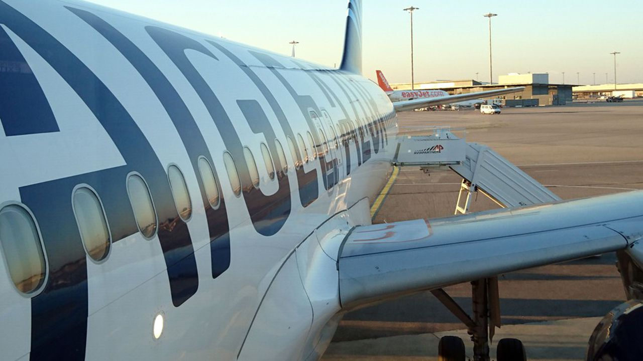A partir de vendredi soir, tous les avions d'Aigle Azur resteront cloués au sol.