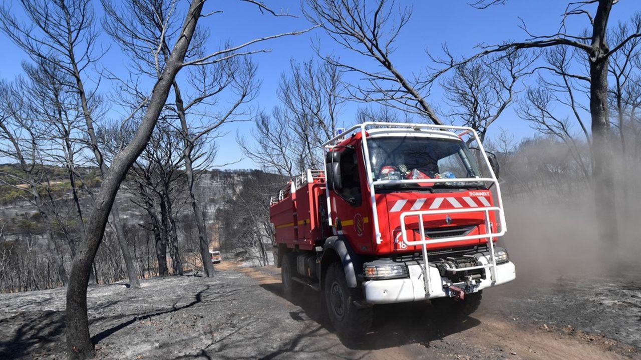 Les pompiers ont dû s'employer ce vendredi matin pour éteindre les flammes dans le Gard et l'Hérault.