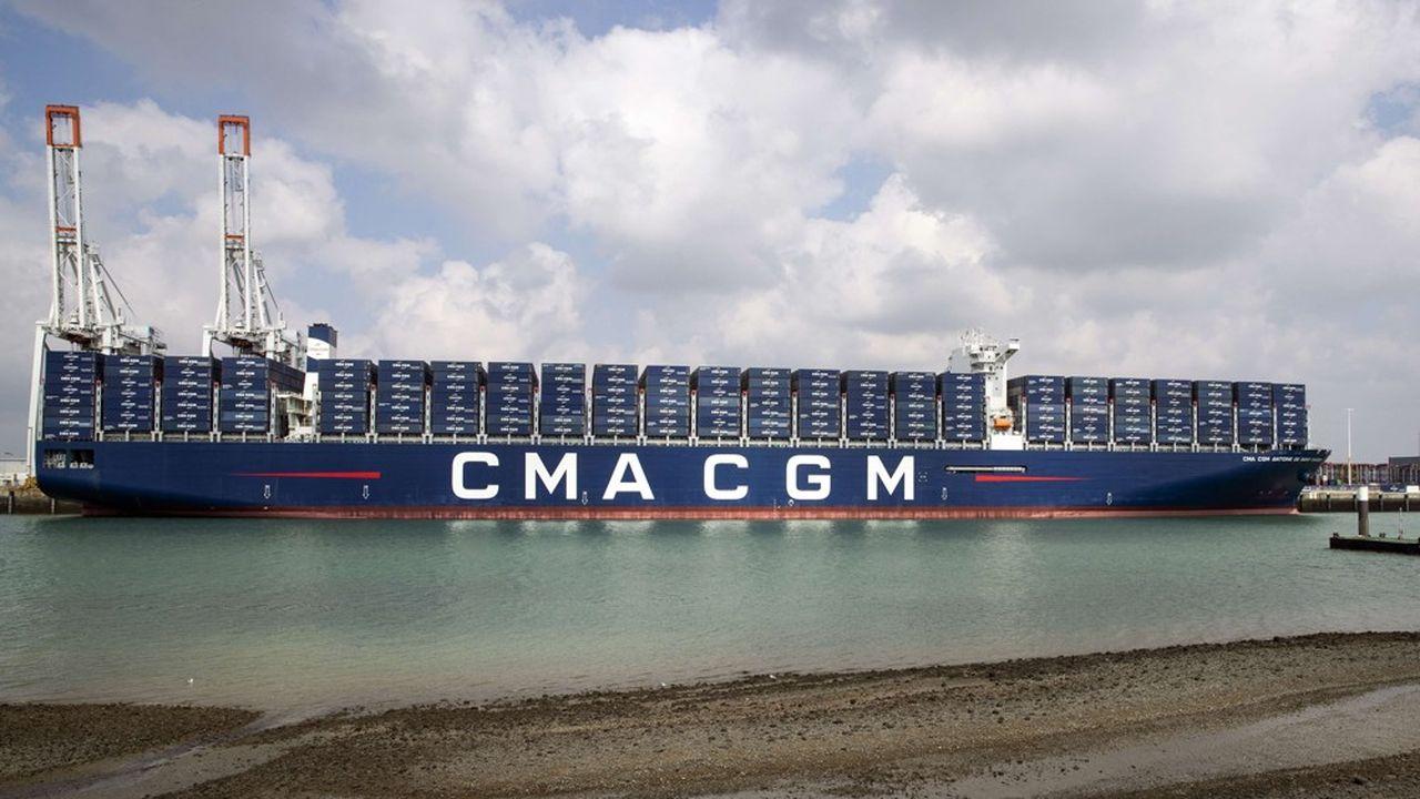 Le porte-conteneurs CMA CGM Saint Exupery à quai au port duHavre.