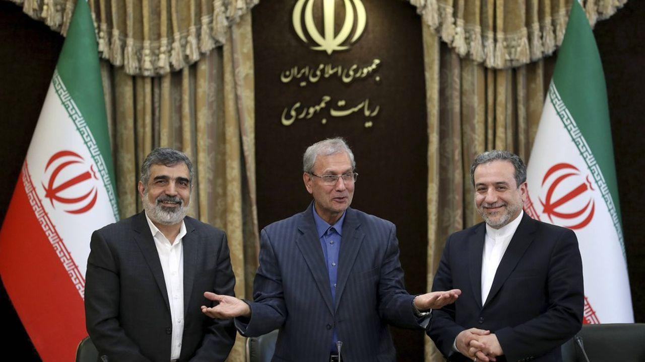 Parmi les mesures de cette nouvelle phase du plan de réduction des engagements, Kamalvandi a indiqué que l'OIEA avait mis en route 20 centrifugeuses de type IR-4 et 20 autres de type IR-6, alors que l'accord sur le nucléaire iranien de 2015 ne l'autorise à ce stade à produire de l'uranium enrichi qu'avec des centrifugeuses de première génération (IR-1)