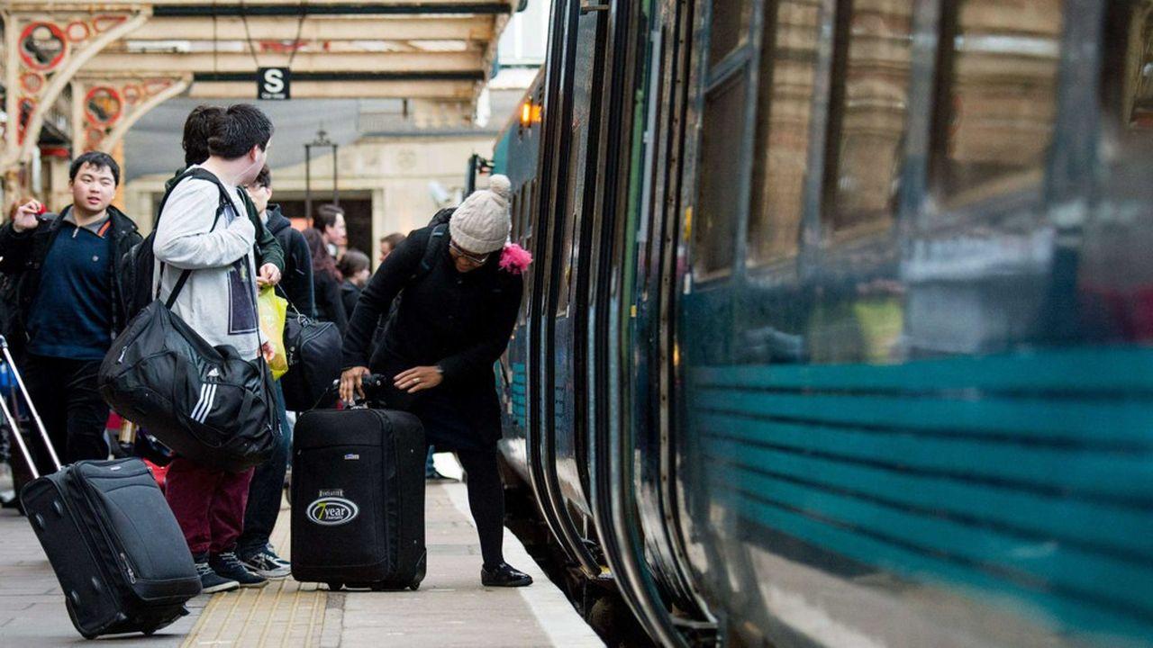 Présente dans 14 pays, forte d'un chiffre d'affaires de 5,4milliards d'euros l'an dernier avec 53.000 salariés et 2milliards de passagers par an, Arriva était une cible tentante. Mais l'Etat ne veut pas laisser la SNCF s'endetter pour la racheter