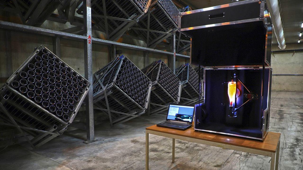 Remulab est un outil d'analyse des phénomènes physico-chimiques en jeu lors du remuage, une étape délicate de la production de champagne.