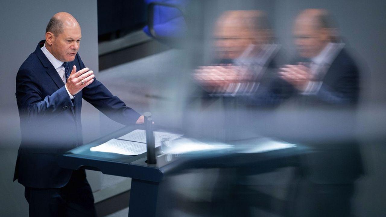 «Le troisième budget de ce gouvernement sera solide et sans nouvelles dettes», a déclaré le ministre des Finances Olaf Scholz mardi devant le Bundestag.