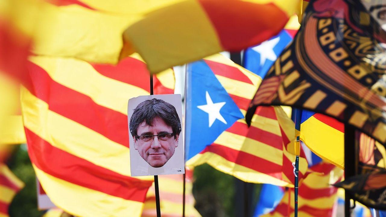 Sous le slogan «Ojectif indépendance», les militants battent le rappel des sympathisants afin de réussir, au moins pour une journée, à raviver la flamme du mouvement indépendantiste catalan.
