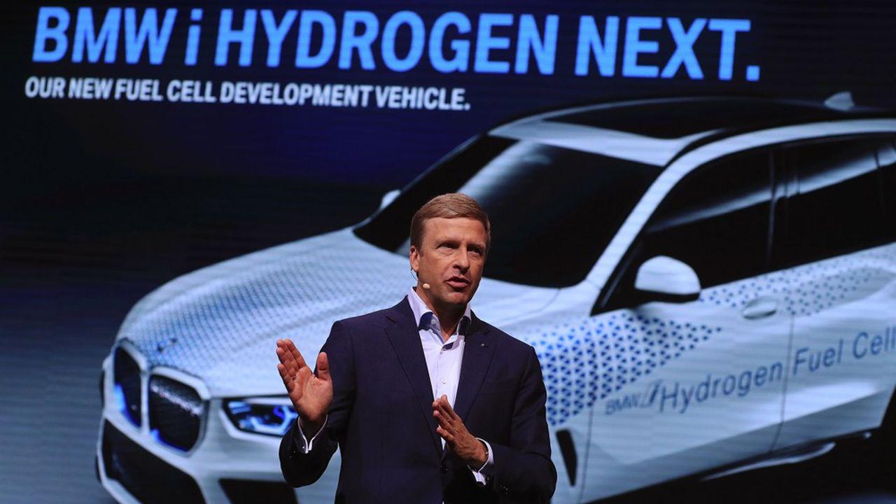 Le nouveau patron de BMW, Oliver Zipse, a annoncé mardi à Francfort qu'il lancerait une flotte de véhicules tests sur l'hydrogène d'ici 2022.