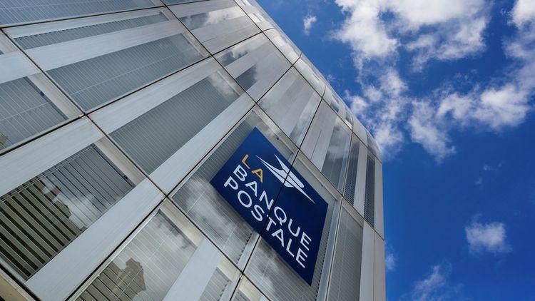La création du pôle financier public se fera en mariant CNP Assurances avec La Banque Postale, à travers une opération faisant de la Caisse des Dépôts le premier actionnaire de La Poste, devant l'Etat.