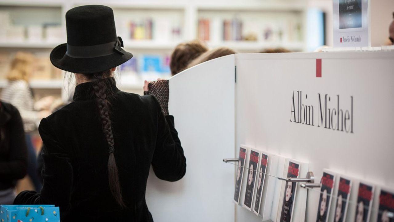 Amélie Nothomb est la vedette de cette rentrée littéraire avec «Soif» (Albin Michel), succès critique et commercial. En tête des palmarès, le livre totalise déjà 160.000 exemplaires vendus.