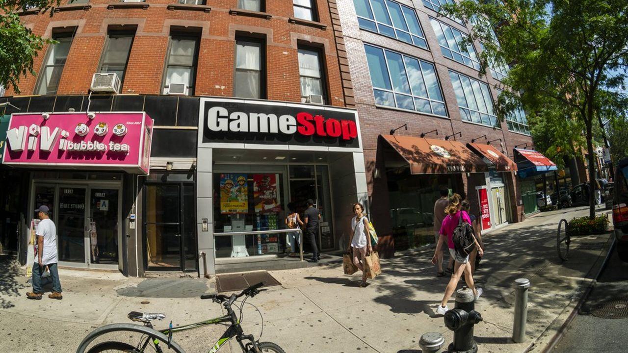 Le modèle économique du géant du secteur est notamment mis à mal par la montée en puissance des ventes dématérialisées de jeux vidéo.