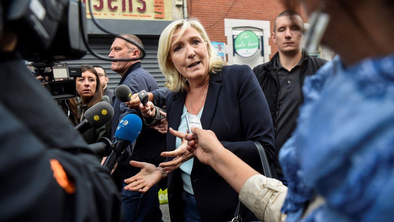 Marine Le Pen préfère que le Rassemblement national se concentre dans les zones où il est fort pour les municipales. La présidente du RN fera un discours à Fréjus pour sa rentrée politique dimanche.