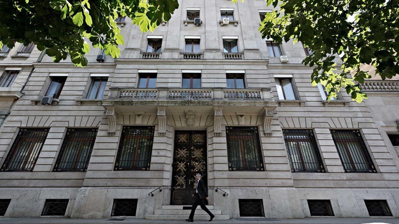 Lombard Odier ne devrait pas rester longtemps comme la seule banque à taxer certains des dépôts en France. (photo du siège en Suisse)
