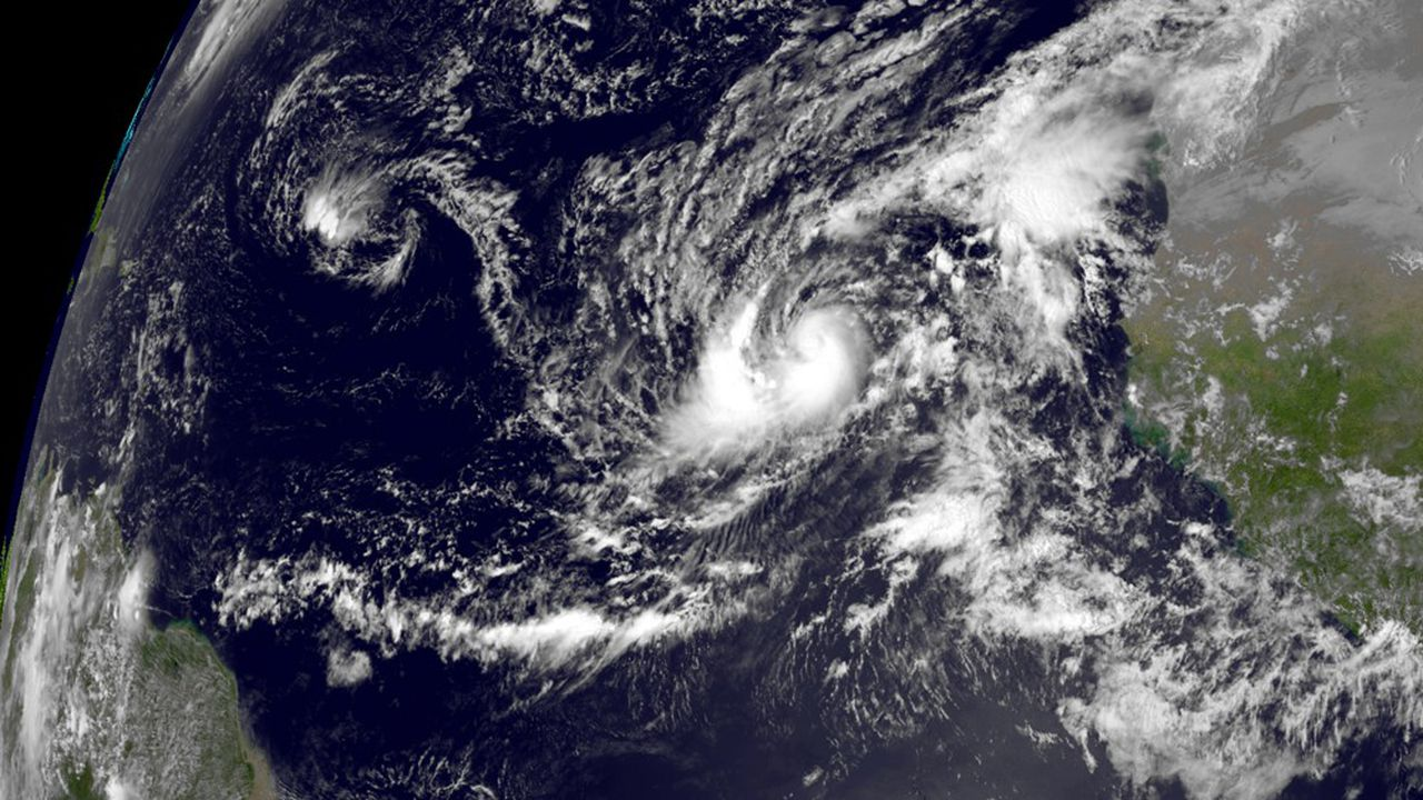 Le chef des services météorologiques des Bahamas, Trevor Basden, a évoqué des vents de 100km/h et de fortes pluies, entre 5 et 15cm d'eau.