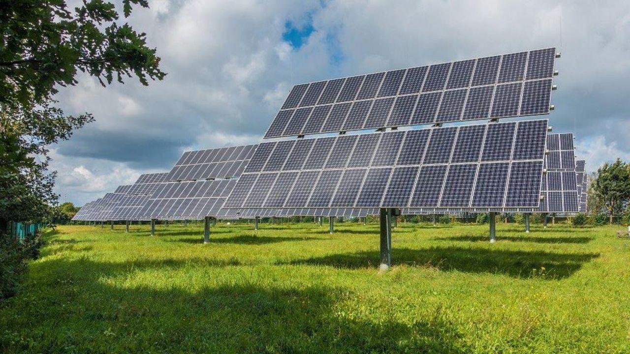 La ferme solaire verra le jour en 2021 sur les espaces d'une ancienne mine de plomb d'une surface de 20 hectares.