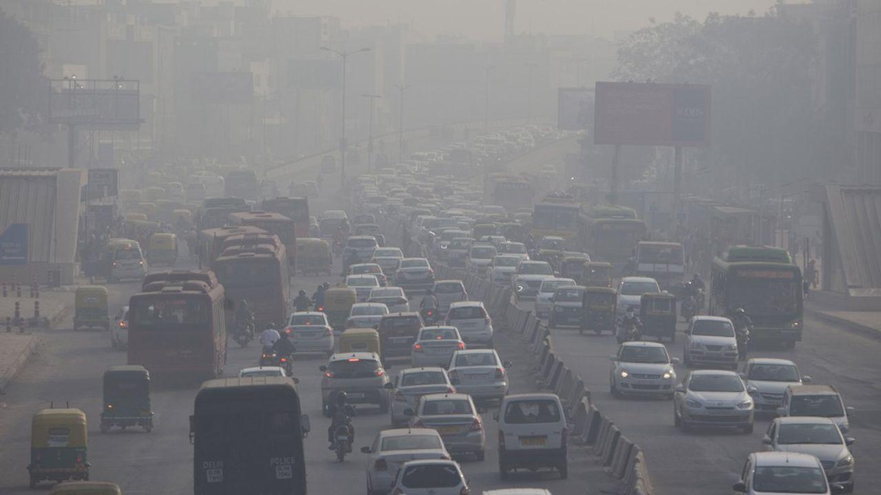 Pour lutter contre les pics de pollution à New Delhi, le gouvernement va expérimenter la circulation alternée au début du mois de novembre prochain.