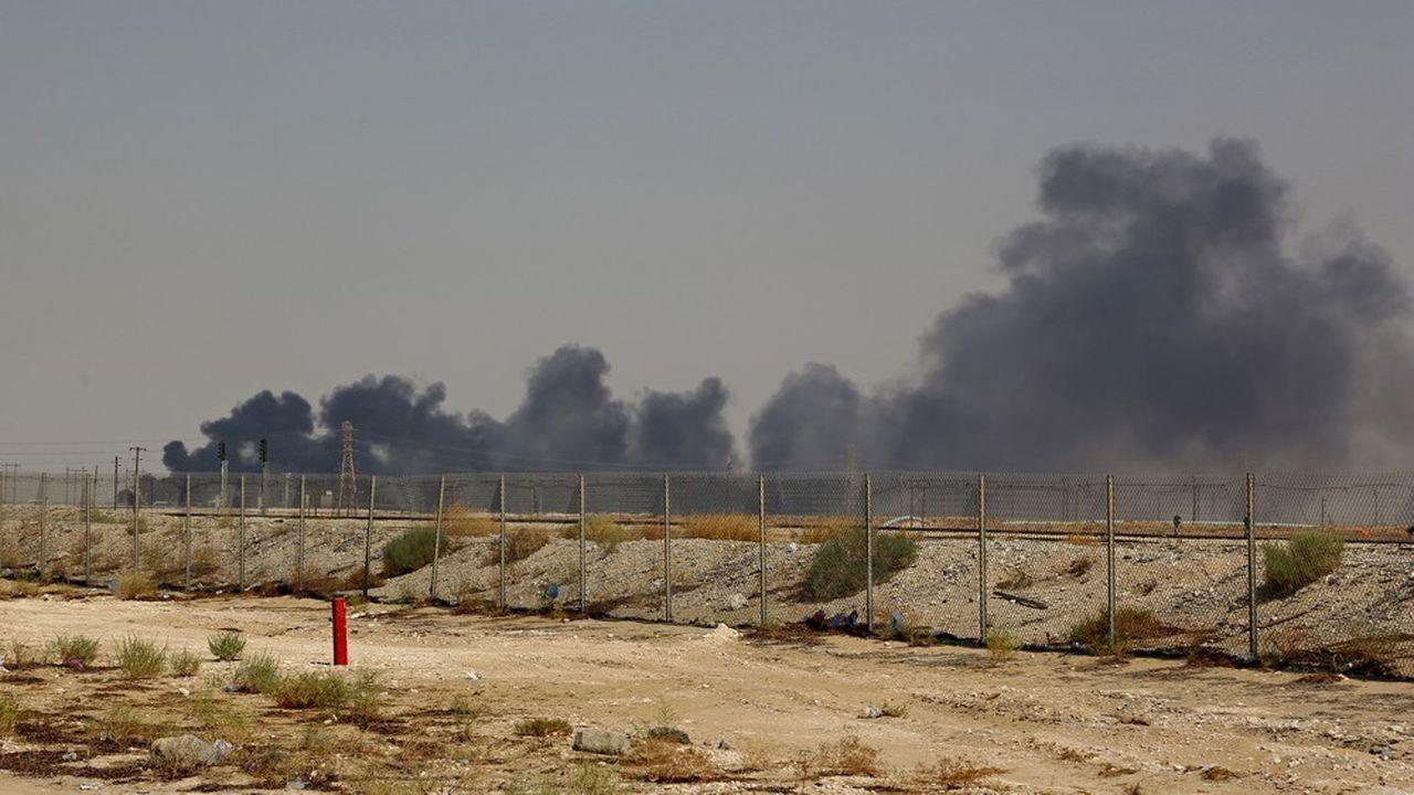 Les rebelles yéménites Houtis ont revendiqué samedi l'attaque par drones de deux installations pétrolières d'Arabie Saoudite.