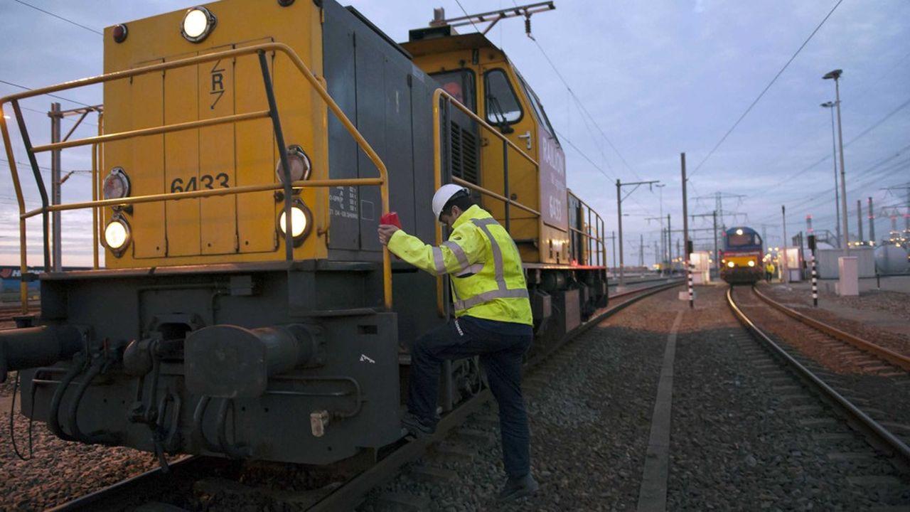 La Deutsche Bahn devrait encore enregistrer un déficit de 2,8milliards d'euros fin 2019, selon la Cour des comptes allemande qui prône l'étude de la cession de la filiale de logistique DB Schenker.
