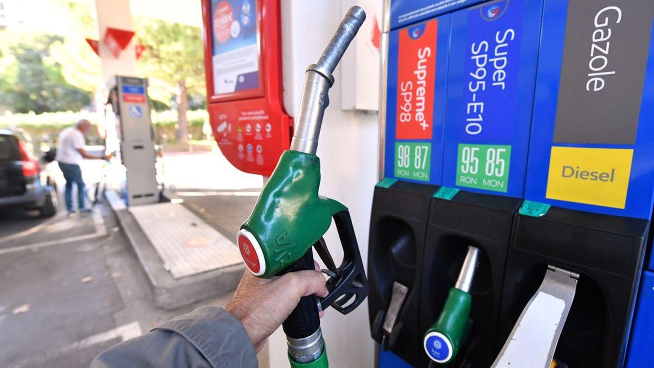 Le litre de gazole était vendu en moyenne 1,41euro la semaine dernière, l'essence SP 95, 1,48euro.
