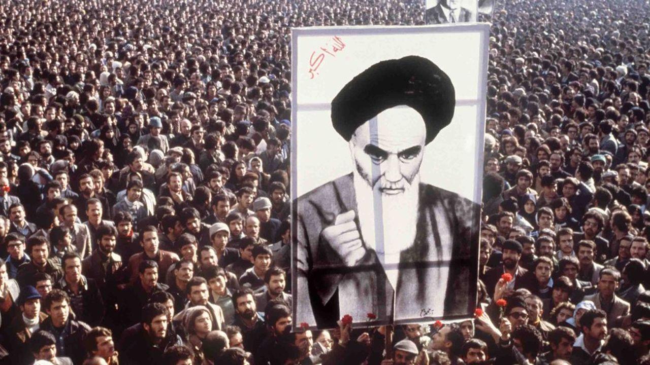 La révolution iranienne et l'arrivée au pouvoir de l'ayatollah Khomeini ont provoqué la deuxième plus forte chute de l'offre de pétrole dans l'histoire.