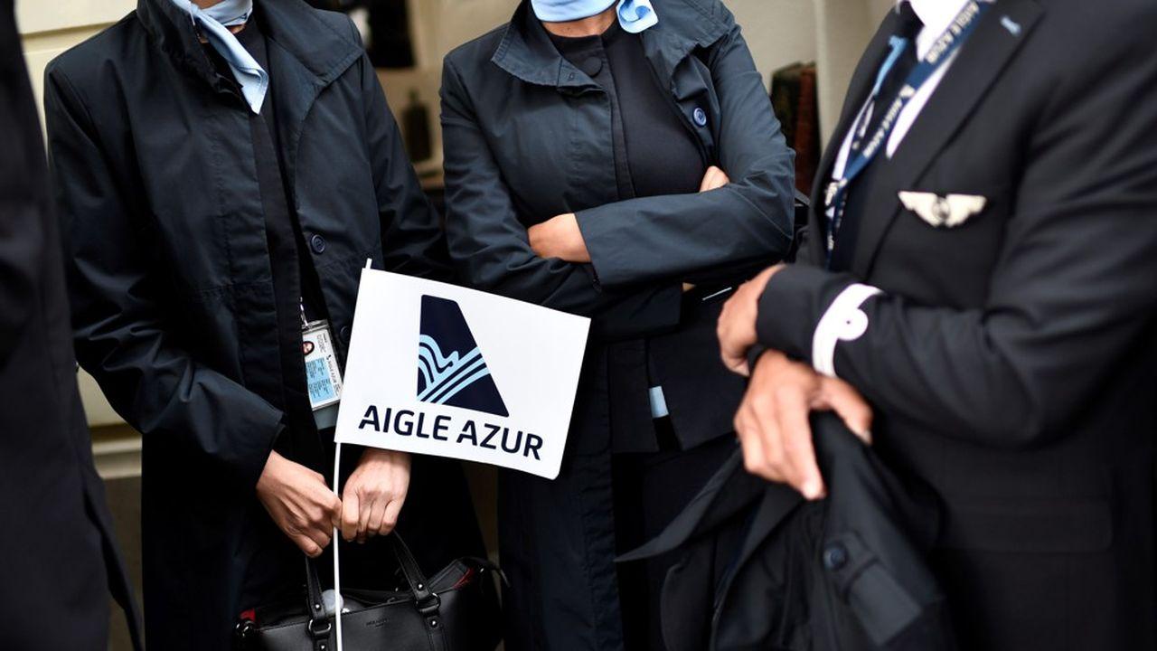 Aucune des offres de reprises présentées ce lundi au tribunal de commerce ne permet d'organiser une cession d'Aigle Azur à un repreneur.