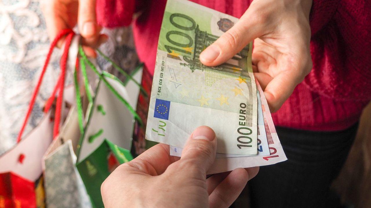 Les billets en euros représentent 97,8% (1.230,1milliards d'euros) du montant total des euros circulant sous forme fiduciaire.