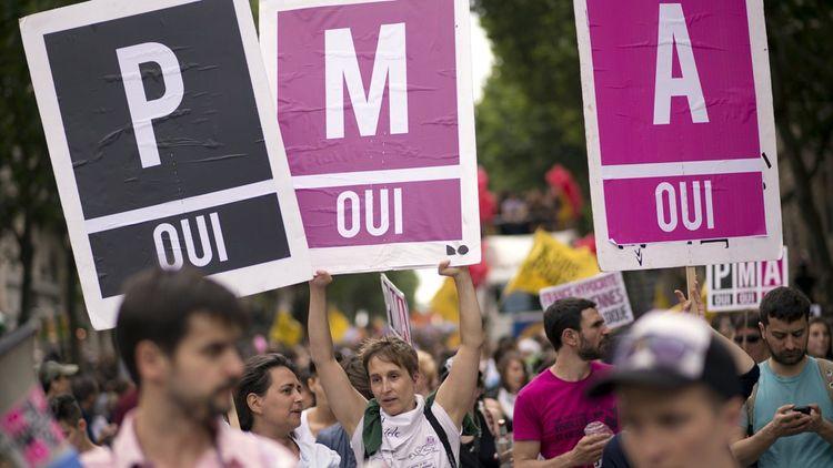 Une manifestation en marge de la Gay Pride en juin2013/