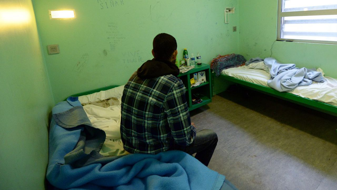 L'aide médicale d'Etat pour les sans-papiers - que l'exécutif se dit prêt à restreindre -, les quotas d'immigration - idée agitée par le ministre de l'Intérieur Christophe Castaner - sont des idées, pour ne pas dire des marqueurs, de la droite.