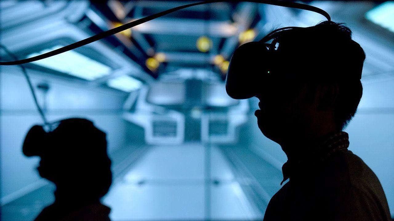 Le fabricant de smartphones HTCs'est recentré sur la réalité virtuelle en lançant notamment ses casques en collaboration avec Vive.