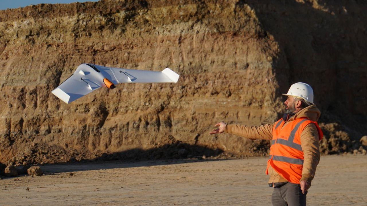 Delair drone aile volante UX11 pour la cartographie.