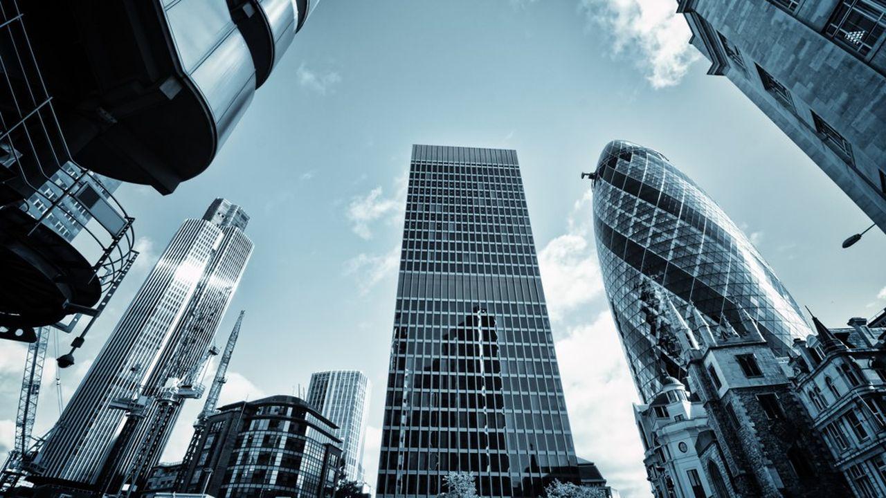 A court terme, EY estime que 7.000 emplois devraient quitter la City une fois que le Brexit sera réalisé.