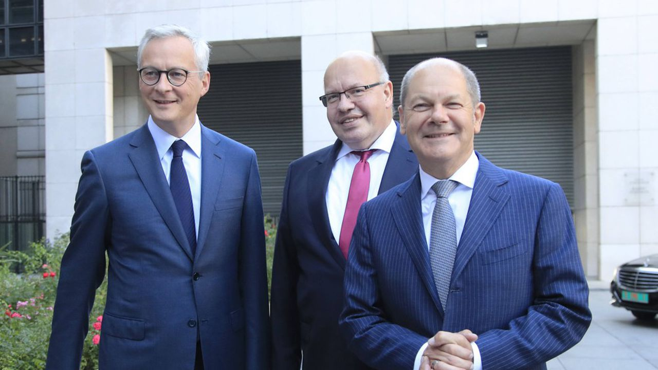 Malgré leurs divergences sur l'approche à adopter pour limiter les effets des tensions commerciales internationales sur la croissance en Europe, Bruno Le Maire et ses homologues allemands, Olaf Scholz (à d.) pour les finances et Peter Altmaier (au centre) pour l'Economie, ont voulu afficher leur unité.