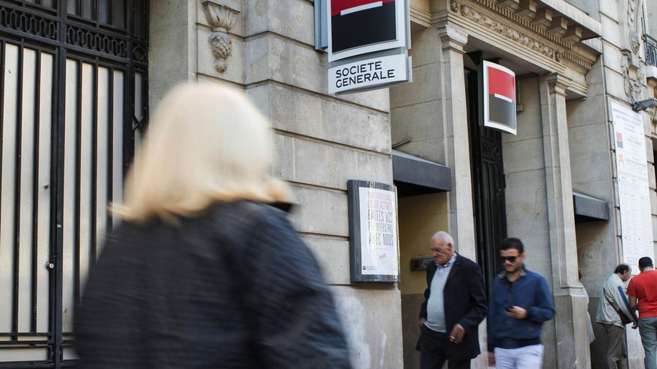 Société Générale a prévu de réduire de 2.000 en 2017 à 1.700 en 2020 le nombre d'agences bancaires de sa marque phare.