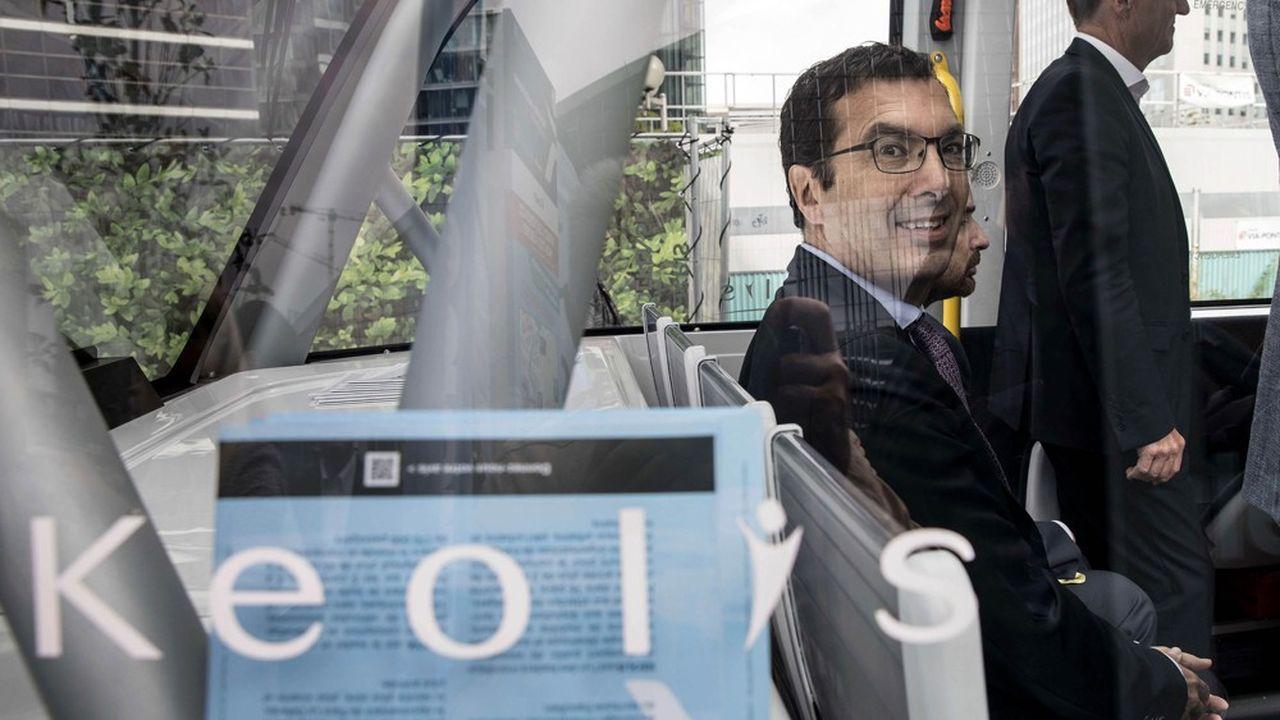 Pour piloter la SNCF au moment où celle-ci va perdre son monopole, l'exécutif a choisi Jean-Pierre Farandou, président du directoire de Keolis depuis 2012.