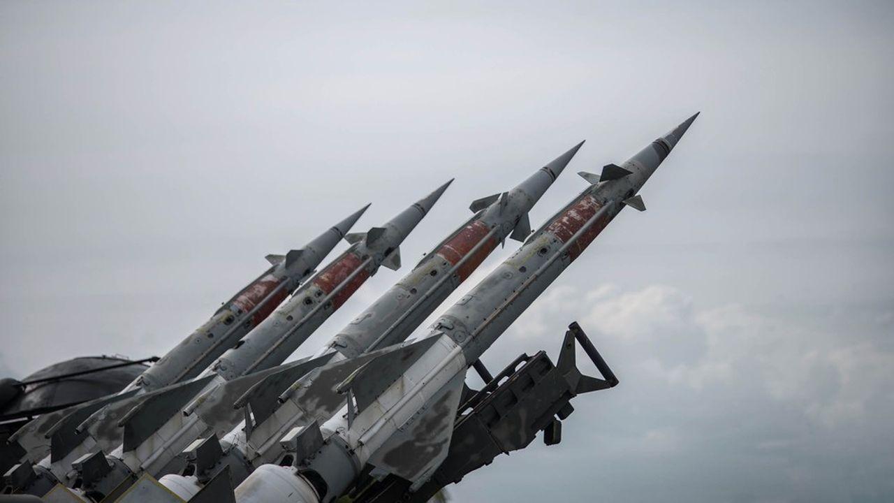 Le monde se rapproche dangereusement d'une situation de crise nucléaire, comme ce fut le cas à Cuba dans les années 1960 ou en Europe avec l'installation de missiles soviétiques SS-20 etde Pershing américains.