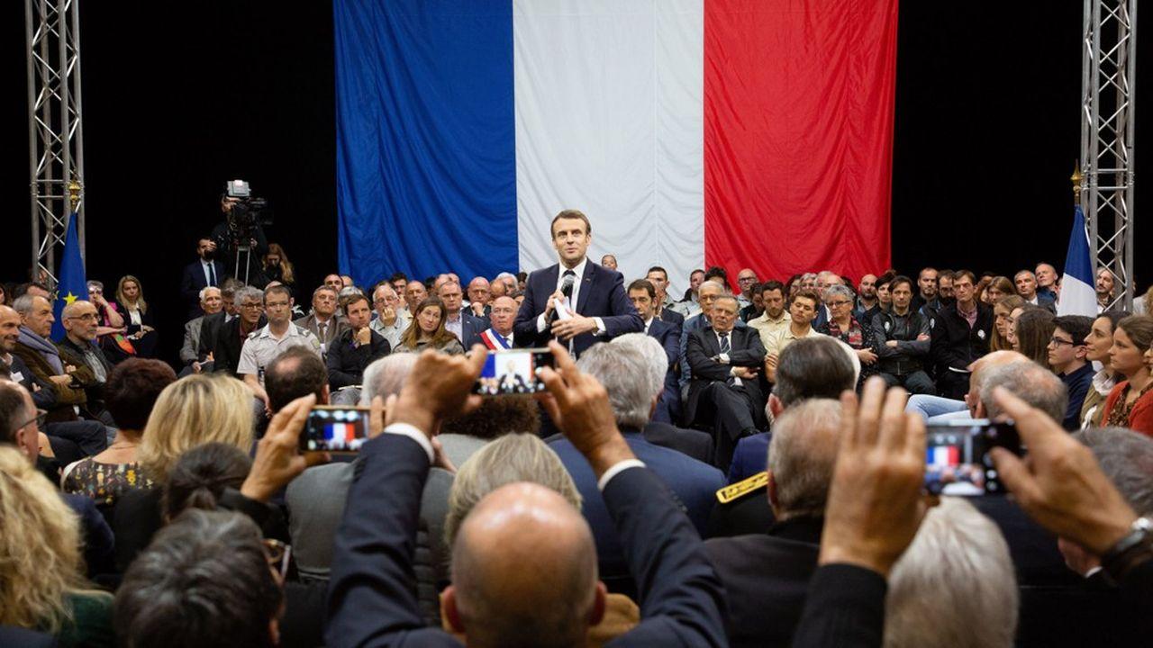 Emmanuel Macron ne convainc toujours pas trois Français sur quatre de la bonne direction de sa politique.