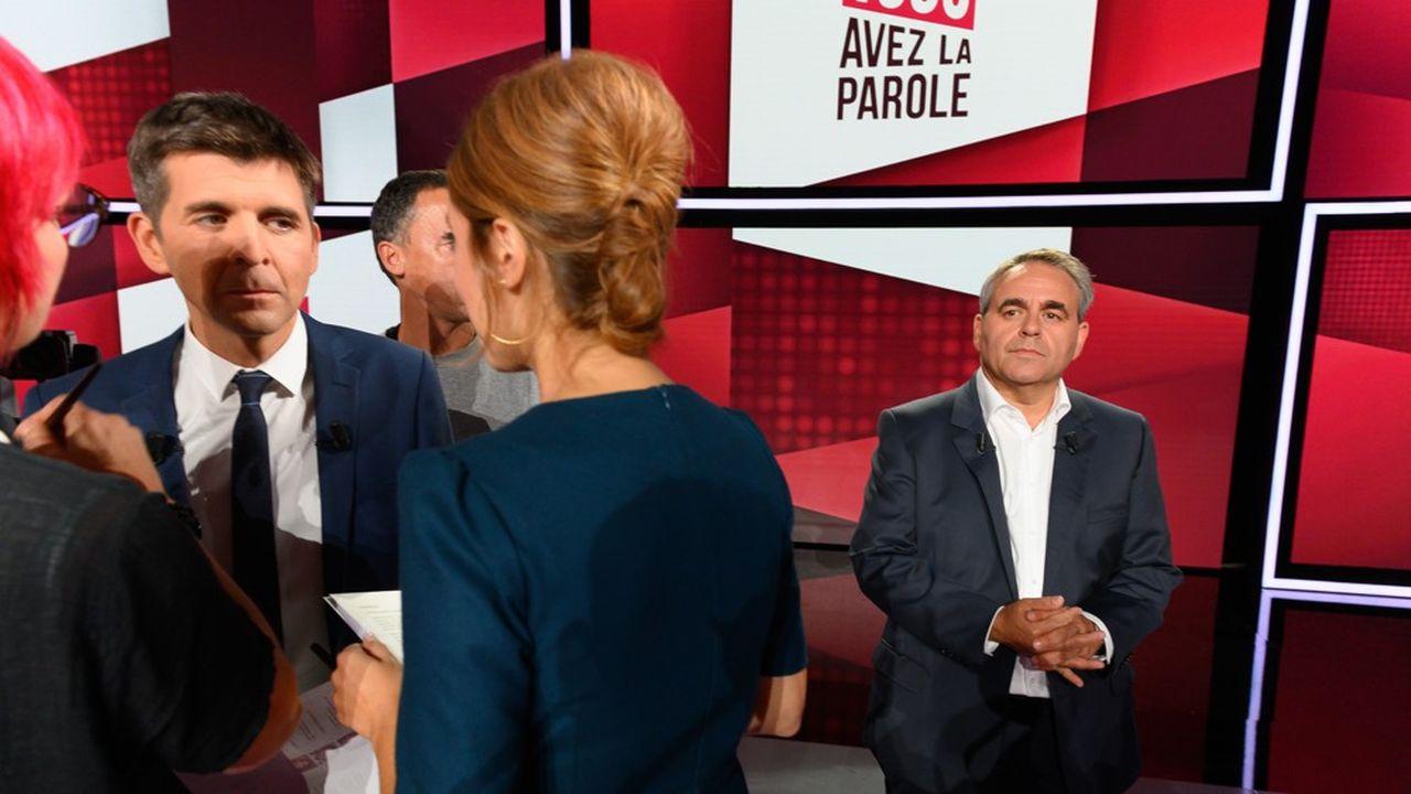 Xavier Bertrand (à droite) était l'invité jeudi soir de la nouvelle émission politique de France présentée parThomas Sotto et Léa Salamé (à droite).