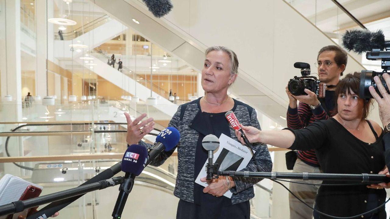 La pneumologue Irène Frachon, ce lundi, à son arrivée au tribunal. Elle devrait être entendue comme témoin.