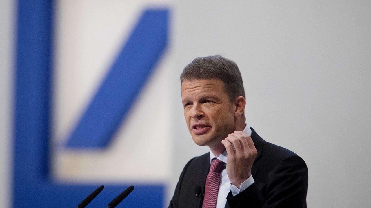 Christian Sewing, le patron de Deutsche Bank, veut faire de son groupe une banque au service des entreprises.