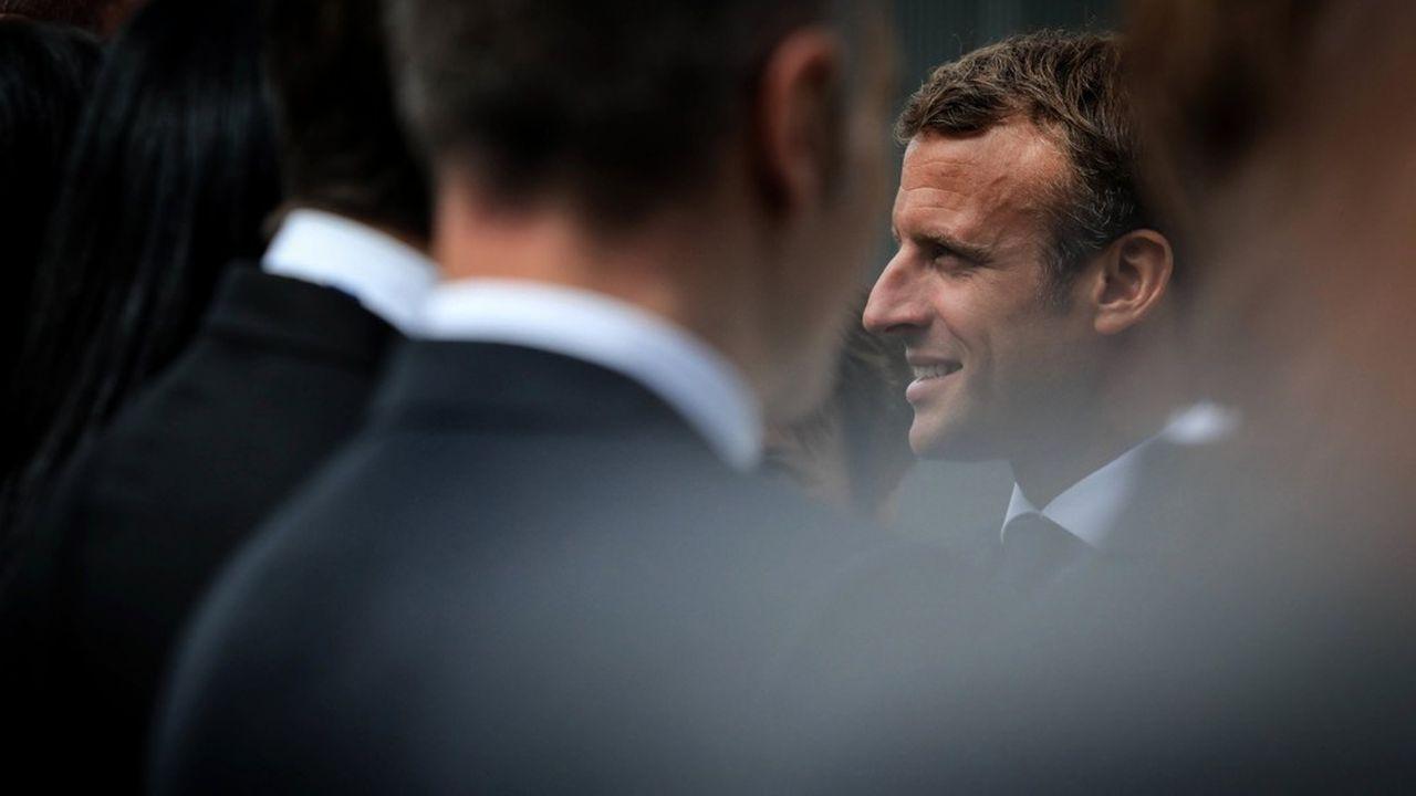 Emmanuel Macron a une chance inespérée: la diminution de la charge de la dette. Avec des taux d'intérêt très bas, elle devrait tomber à 34 milliards d'euros en 2020 contre 39 milliards prévus.