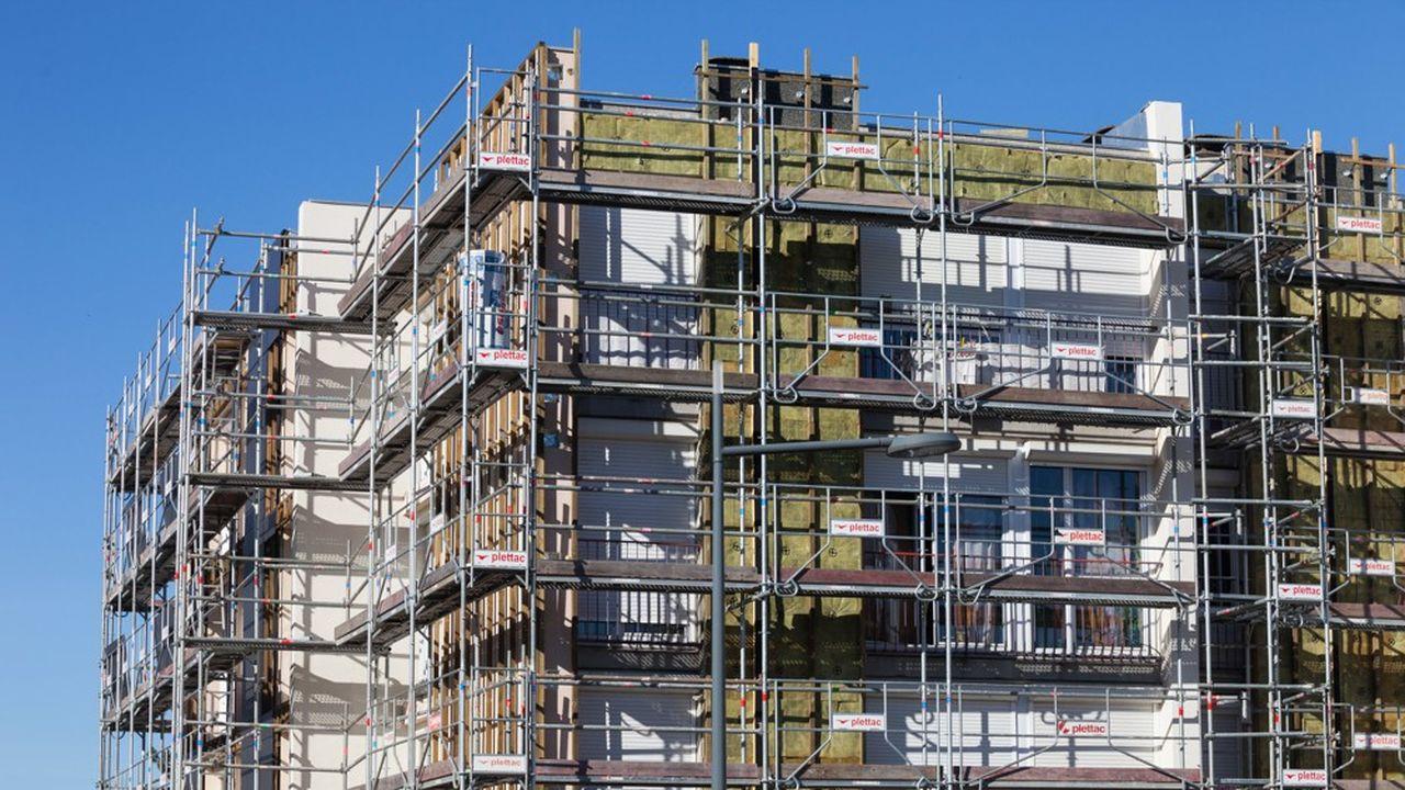 Le retour à une TVA à 5,5%, au lieu de 10%, pour la construction et la rénovation de tous les logements sociaux est le cheval de bataille du monde HLM afin de réduire les coûts.