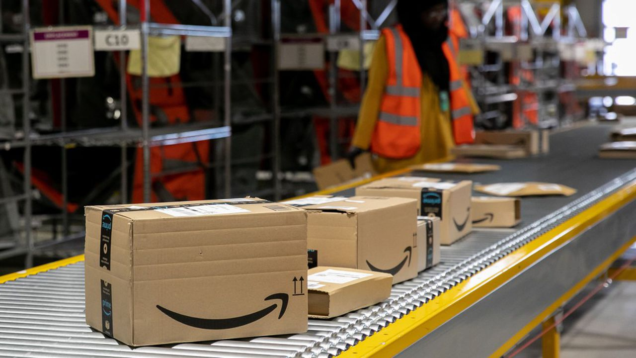 La banalisation des achats en ligne pousse à la hausse du nombre de transactions (ici un entrepôt Amazon).