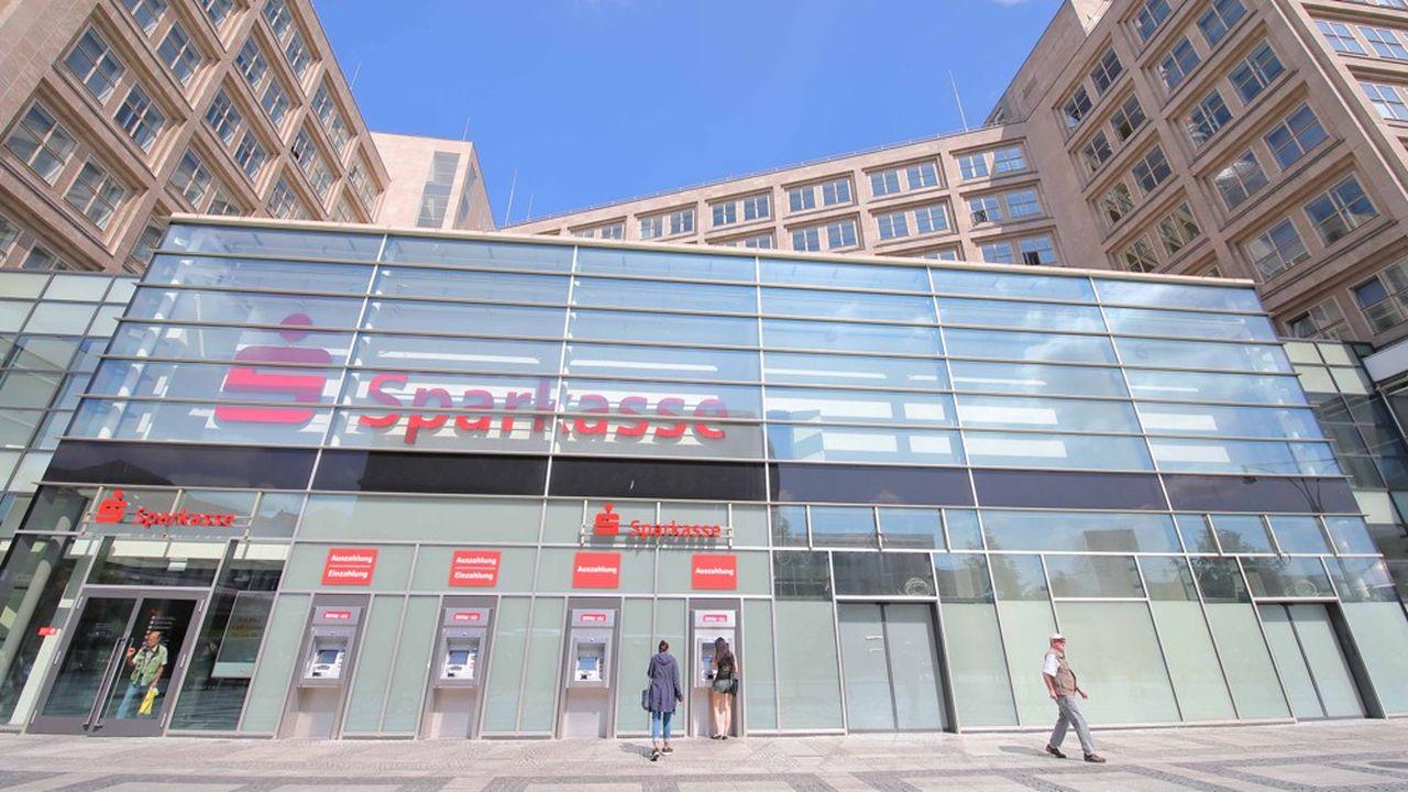 Les petites banques et les Sparkassen ne s'en cachent plus: elles envisagent de passer la note des taux négatifs à leurs clients