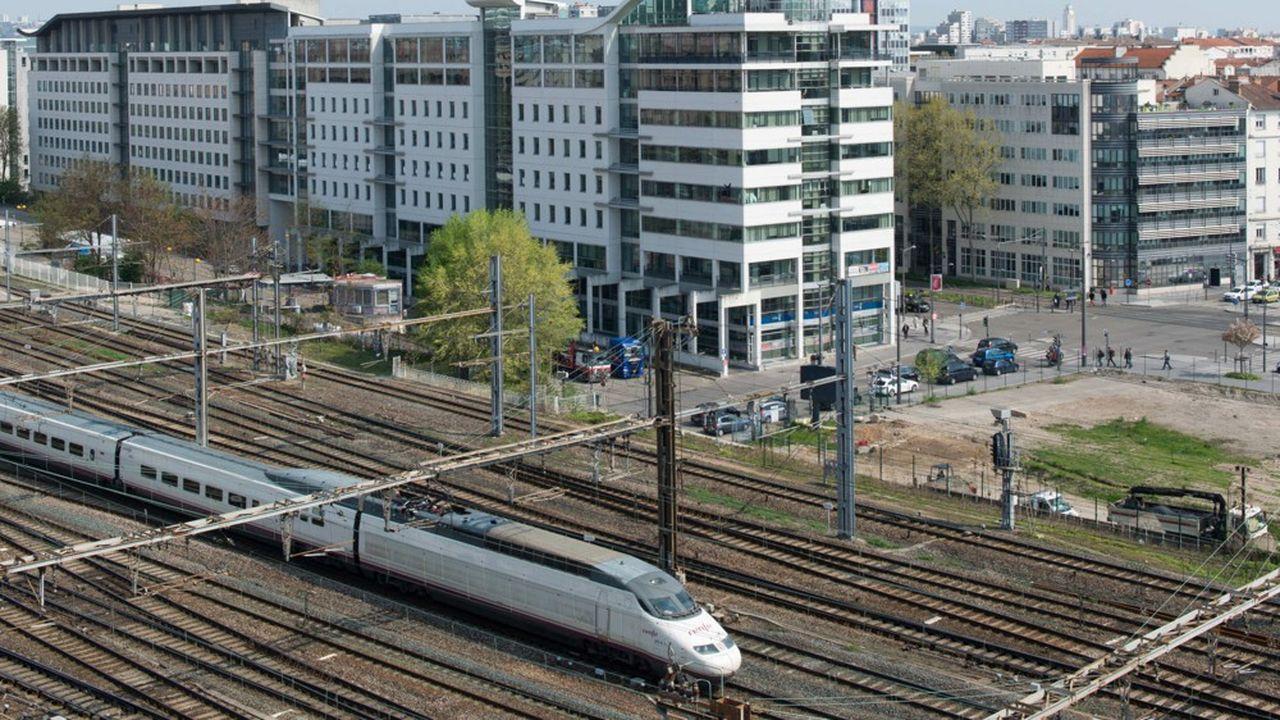 Voies ferrees de la gare SNCF de Lyon Part Dieu