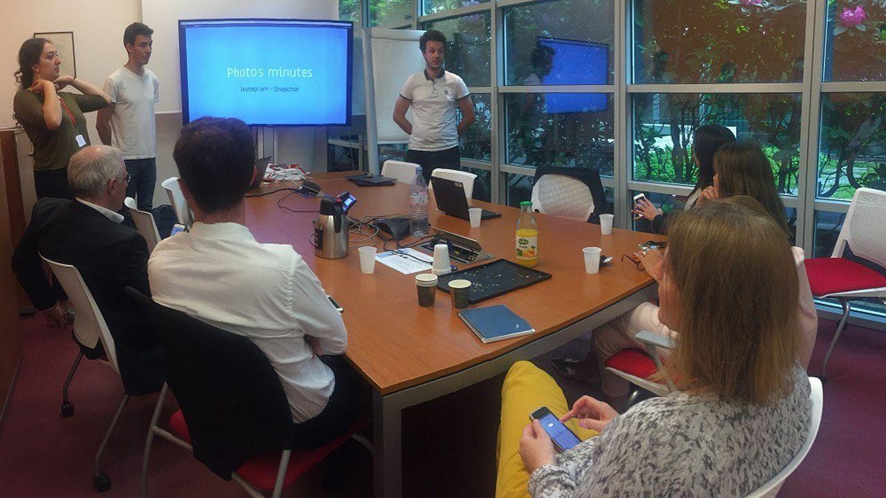 Des salariés du laboratoire Janssen formés aux enjeux de la transformation numérique.