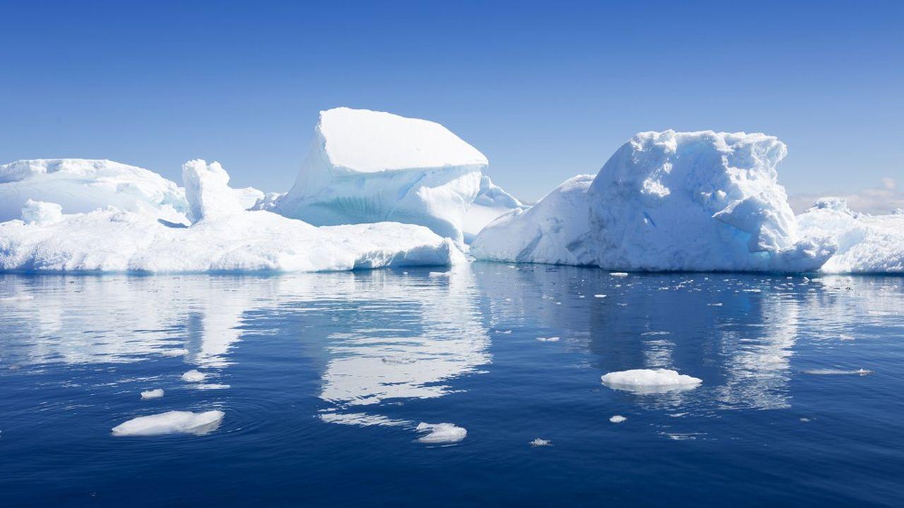 La fonte des glaces des pôles nord et sud exerce un impact immédiat sur le niveau des océans. Les populations côtières sont donc menacées.