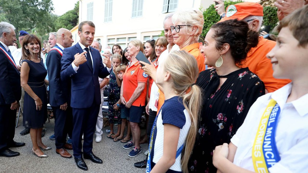 Le président de la République promettait « une extraordinaire renaissance ». Deux ans et demi plus tard, le macronisme parvient à remettre un peu la France en marche, mais l'opinion ne suit pas.