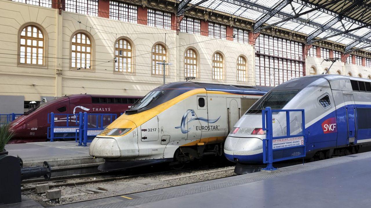 Les deux compagnies ont une approche commerciale similaire (elles proposent toutes deux trois classes de passagers). Elles ont également des territoires desservis très proches.